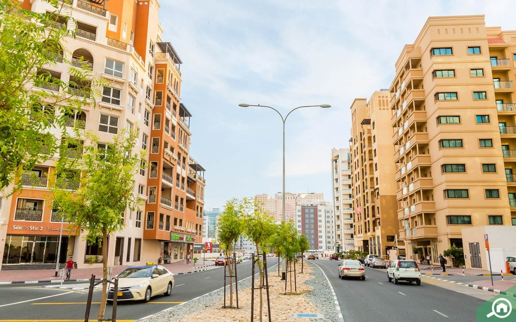 Streets with apartment complexes in Dubai Silicon Oasis