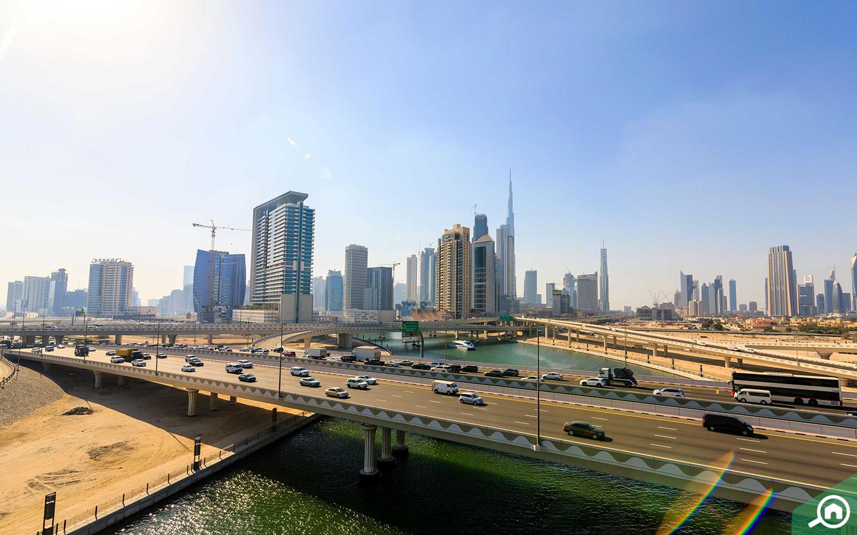 الشوارع في وسط مدينة دبي