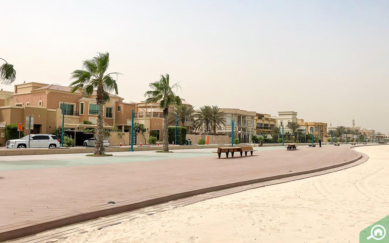 مسارات المشي في الشاطئ