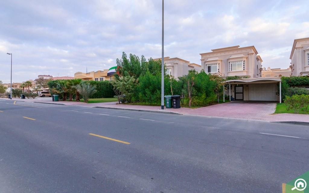 villas in Umm Suqeim