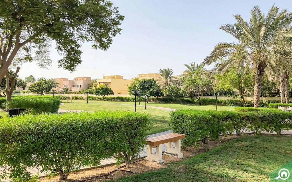 villas for rent in meadows dubai