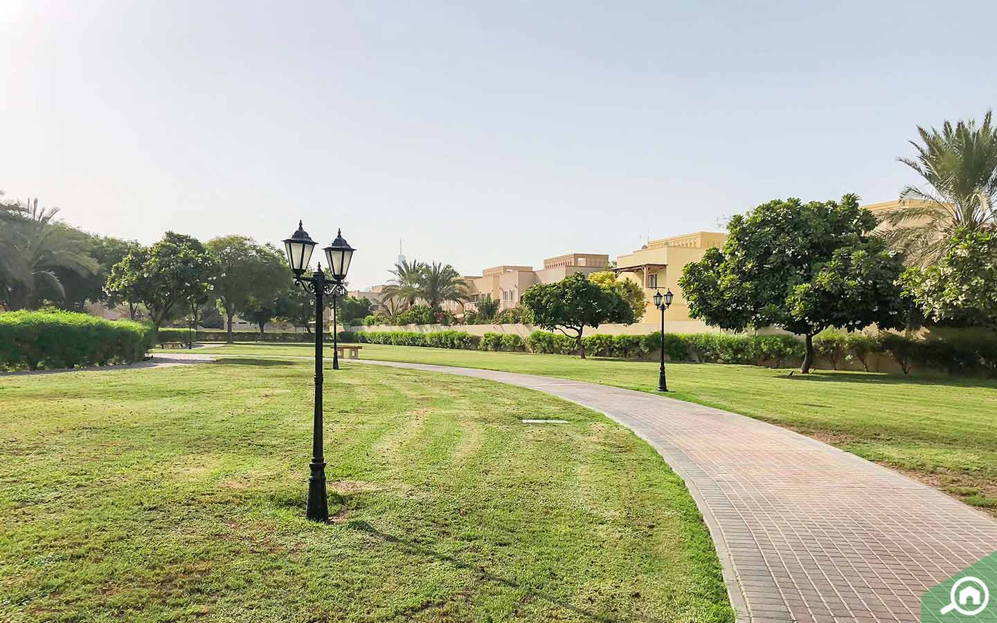 the community in meadows dubai