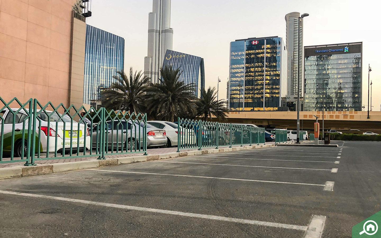 مواقف السيارات في منطقة مركز دبي المالي العالمي