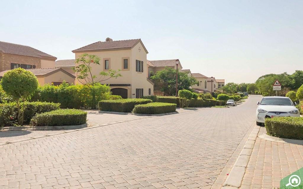 Parking in Jumeirah Golf Estates