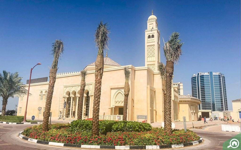 Mosque in Jumeirah Golf Estates