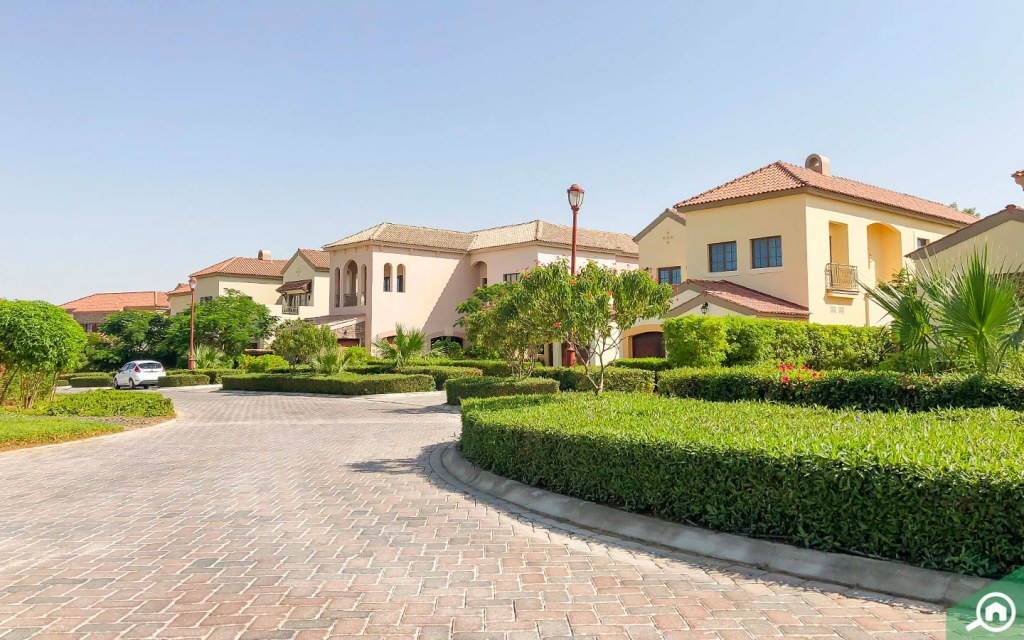 Villas in Jumeirah Golf Estates