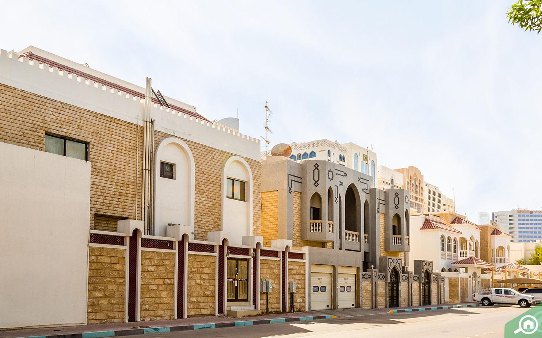 traditional villas on airport Street