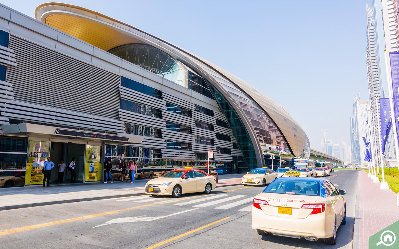 محطة مترو الخليج التجاري بالقرب من ميدان