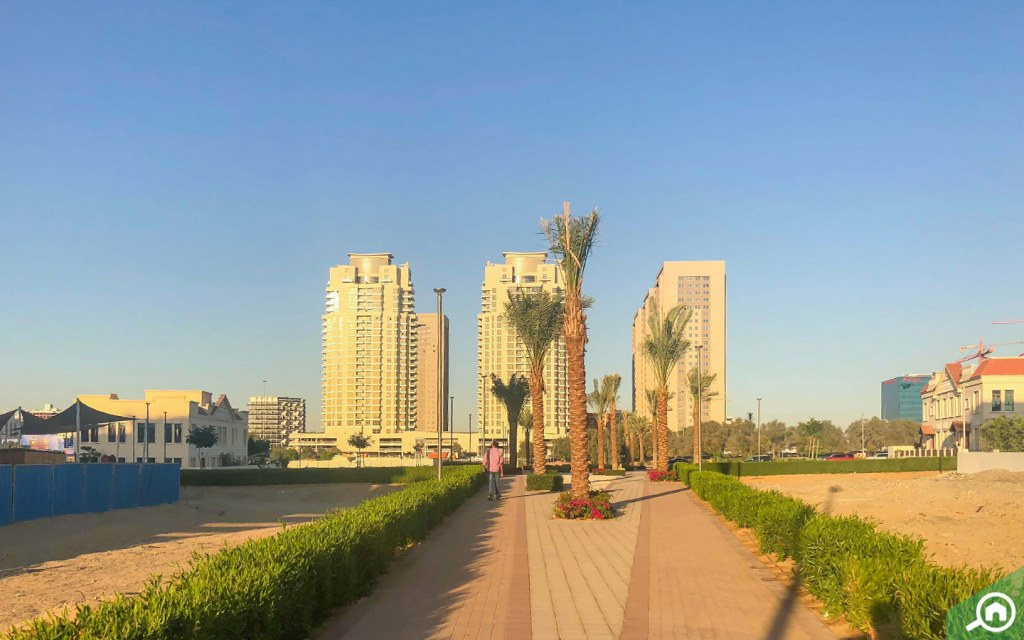liwan is close to dubai silicon oasis, nad al sheba and the villa