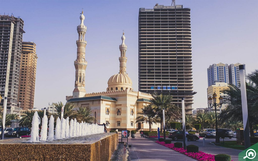 mosques in al majaz