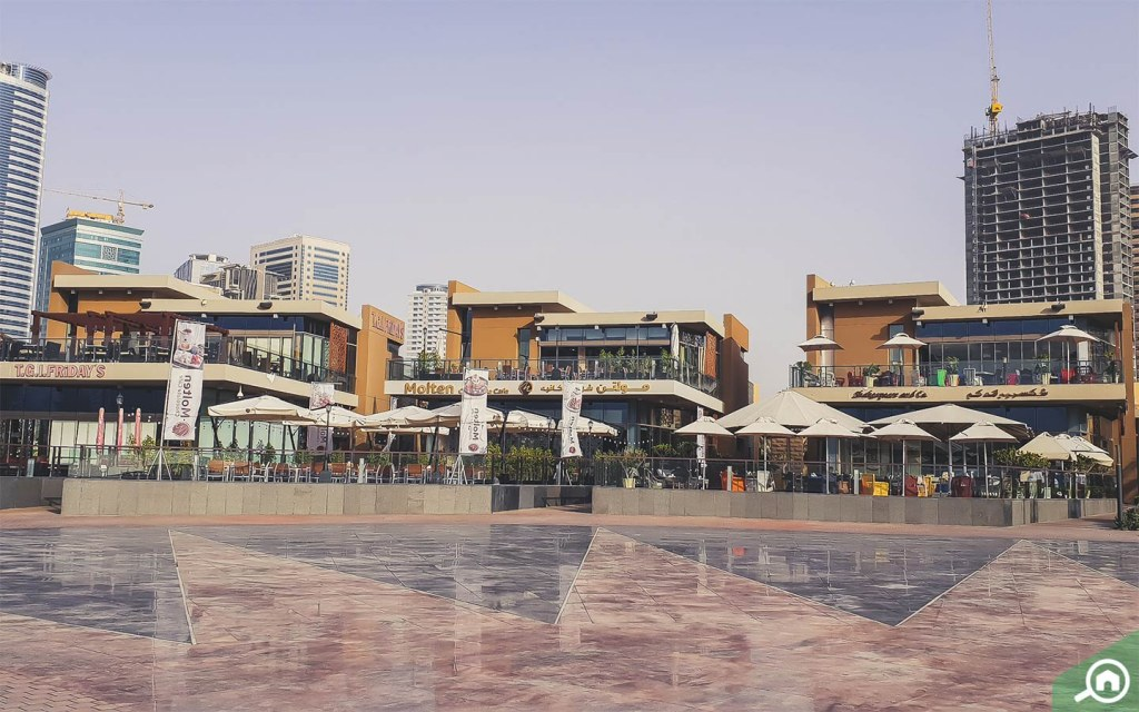 Restaurants in al majaz waterfront