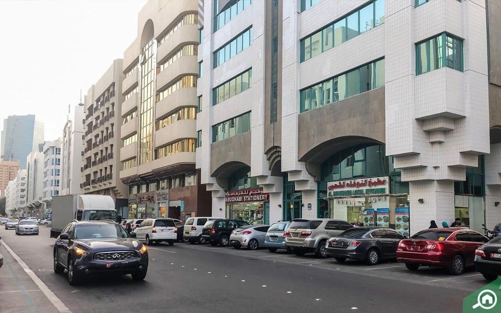 مواقف السيارات في ابوظبي الخالدية