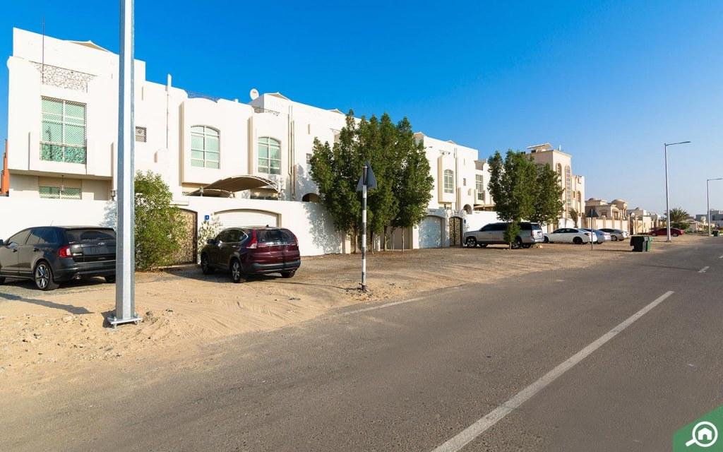 مواقف سيارات في مدينة محمد بن زايد