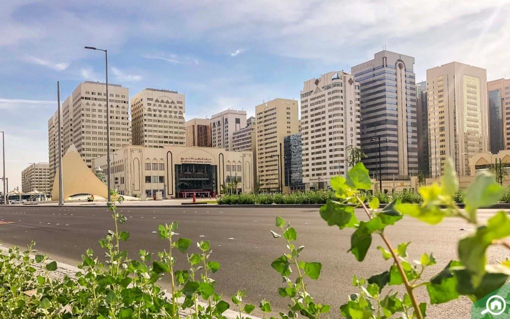 Al Zahiyah Shopping Centre in Tourist Club Area
