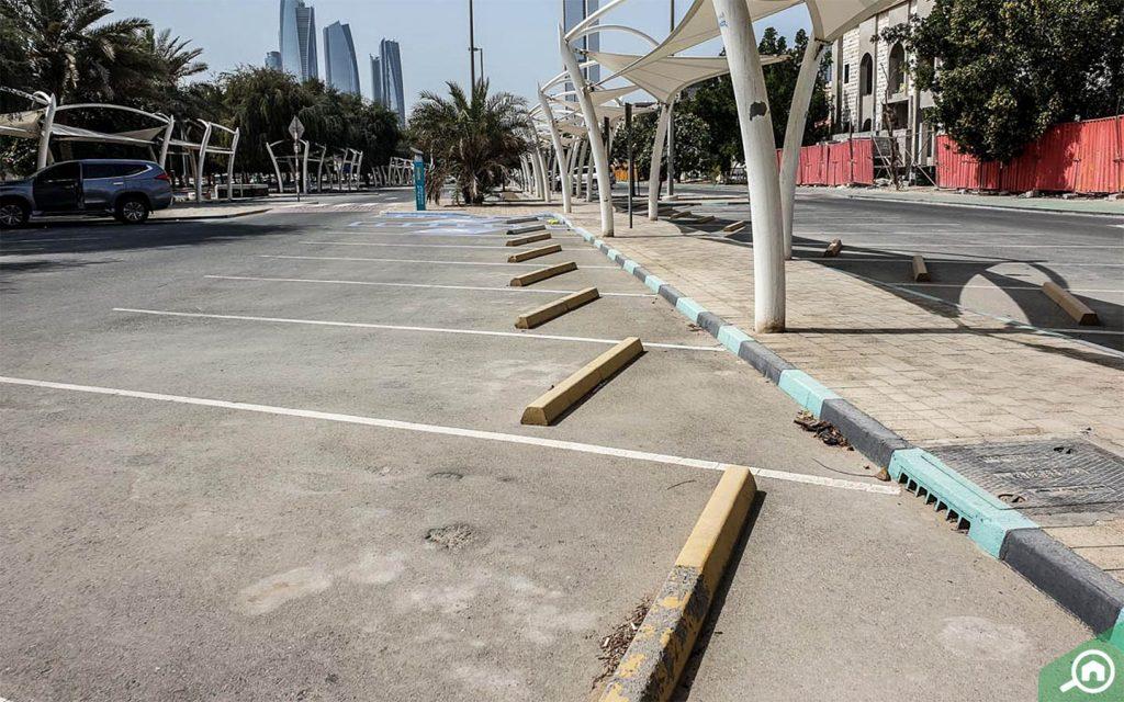 مواقف السيارات في البطين ابوظبي