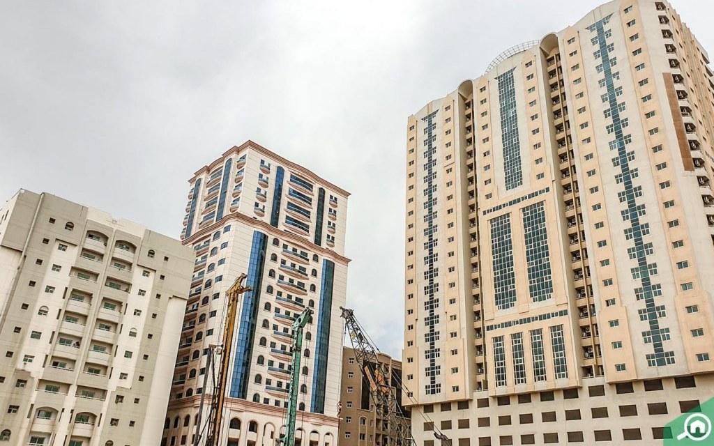 buildings in bu daniq