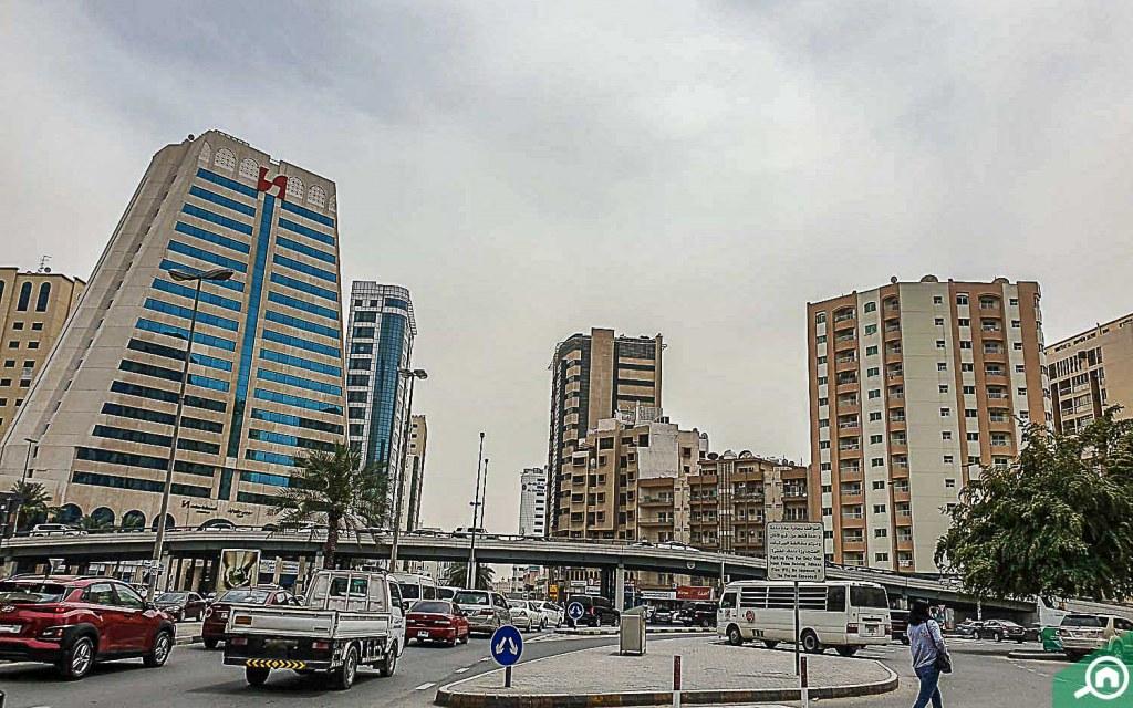 Busy road of Al Shuwaihean