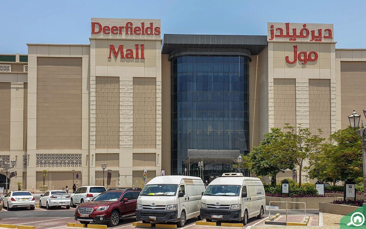 Deerfields Mall in Al Bahia