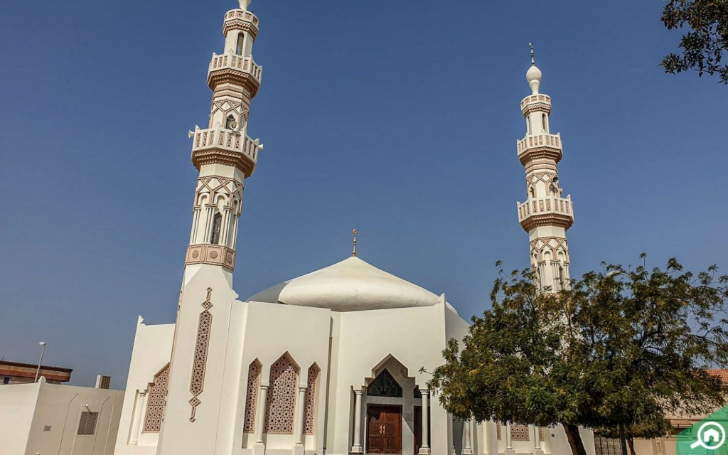 Mosque in Sharqan