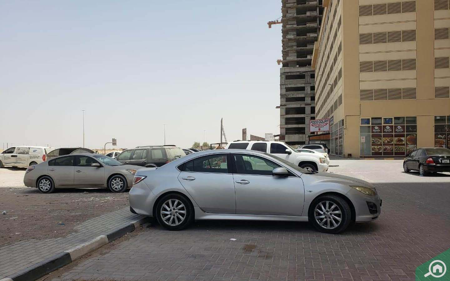 Parking in Emirates City