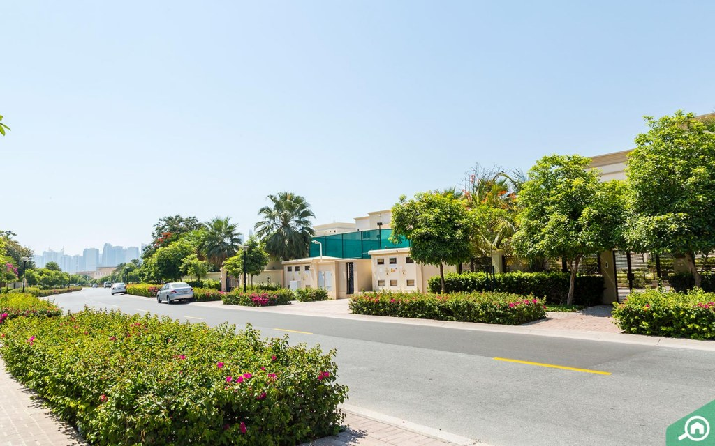 villas in Emirates Hills