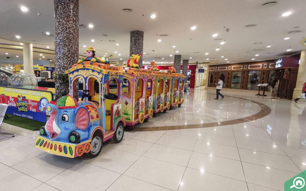 safeer mall in corniche al buhaira