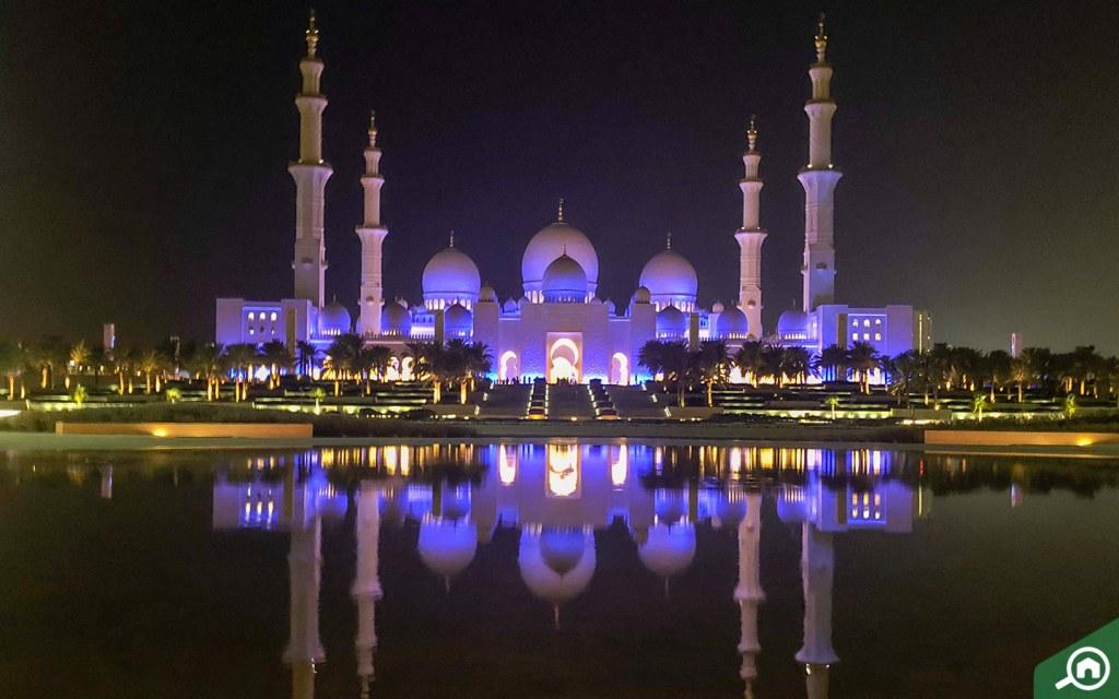 sheikh zayed mosque near al ghadeer