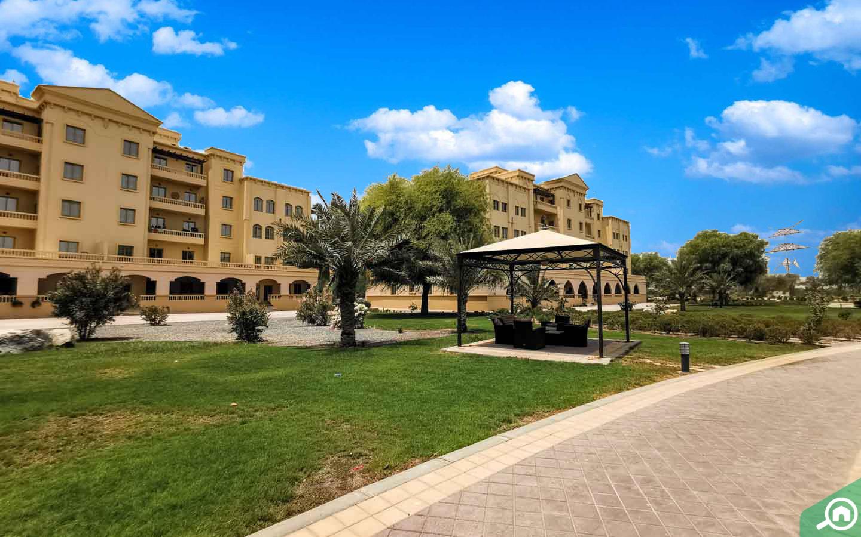 Building in Yasmin Village
