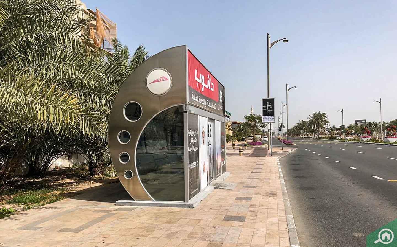bus stop in jumeirah 2