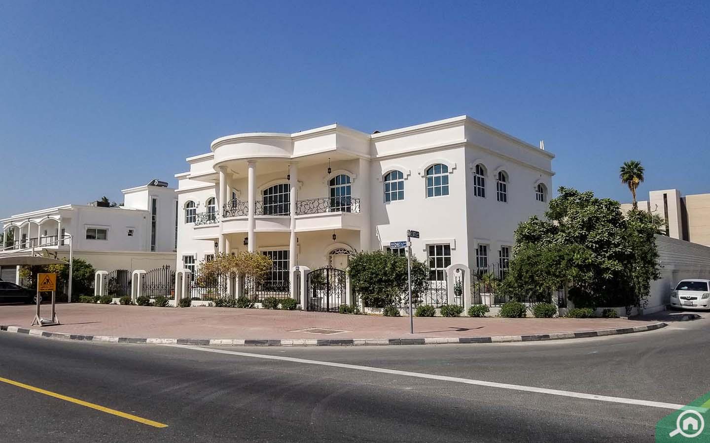 villa in jumeirah 1