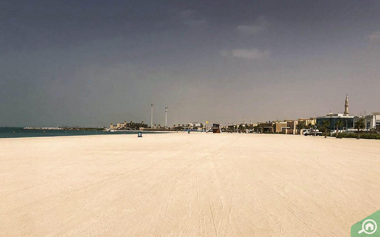 beach in jumeirah 2