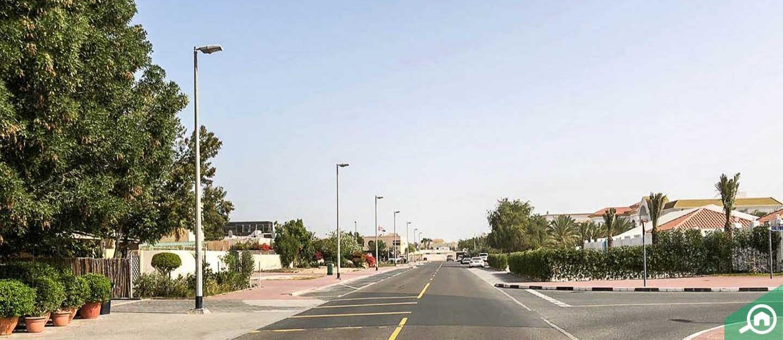 living in jumeirah 2