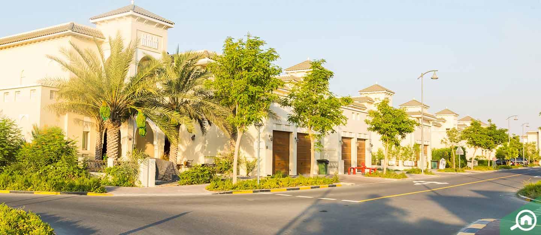 living in al burooj residence v