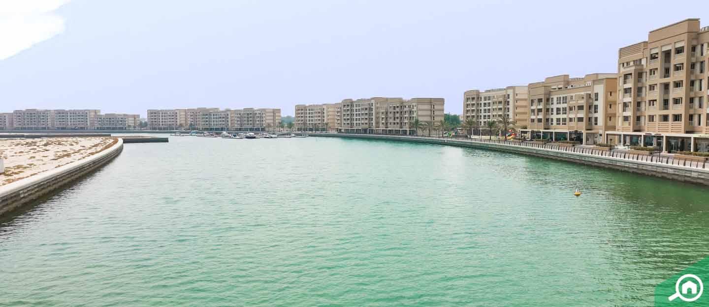 living in flamingo villas mina al arab