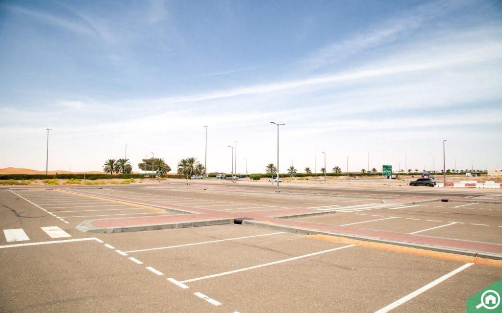 parking in Al Muwaiji
