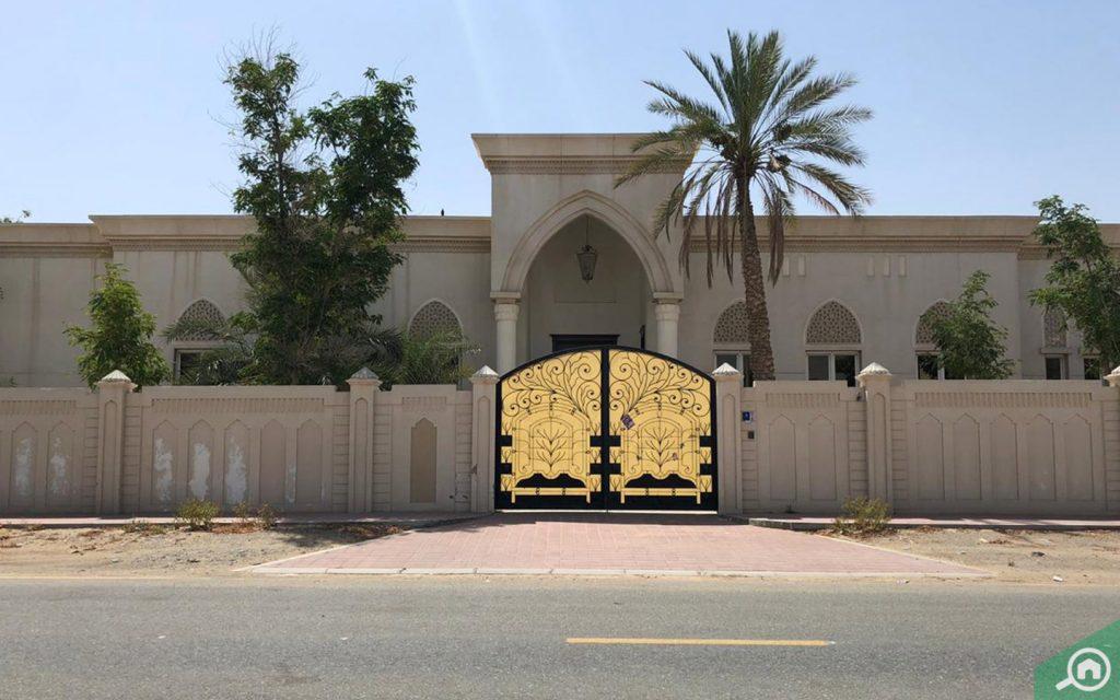 Entrance of a villa in University City