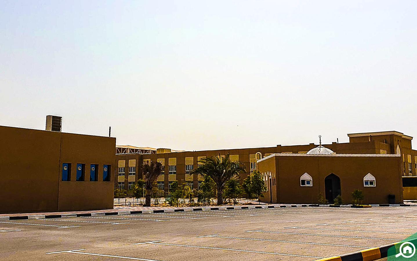 المدرسة الهندية بالشارقة