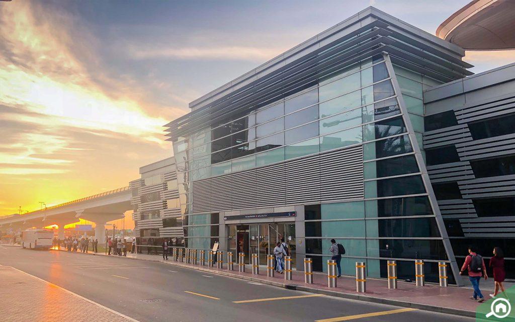محطة مترو بنك ابوظبي الأول في دبي