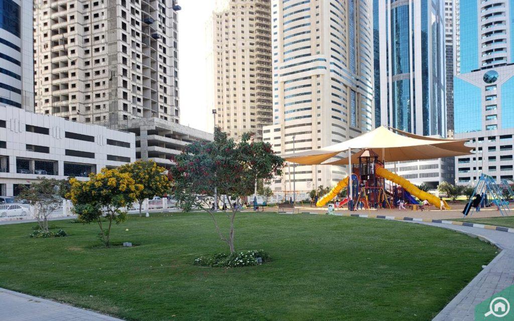 parks in al mamzar sharjah