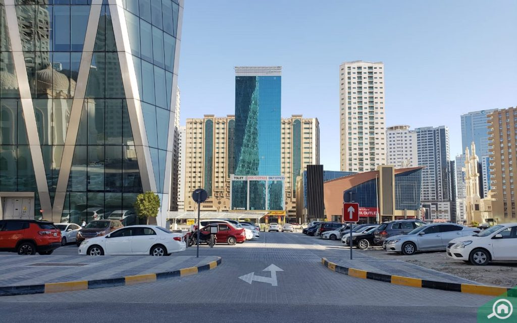 public parking in al mamzar sharjah