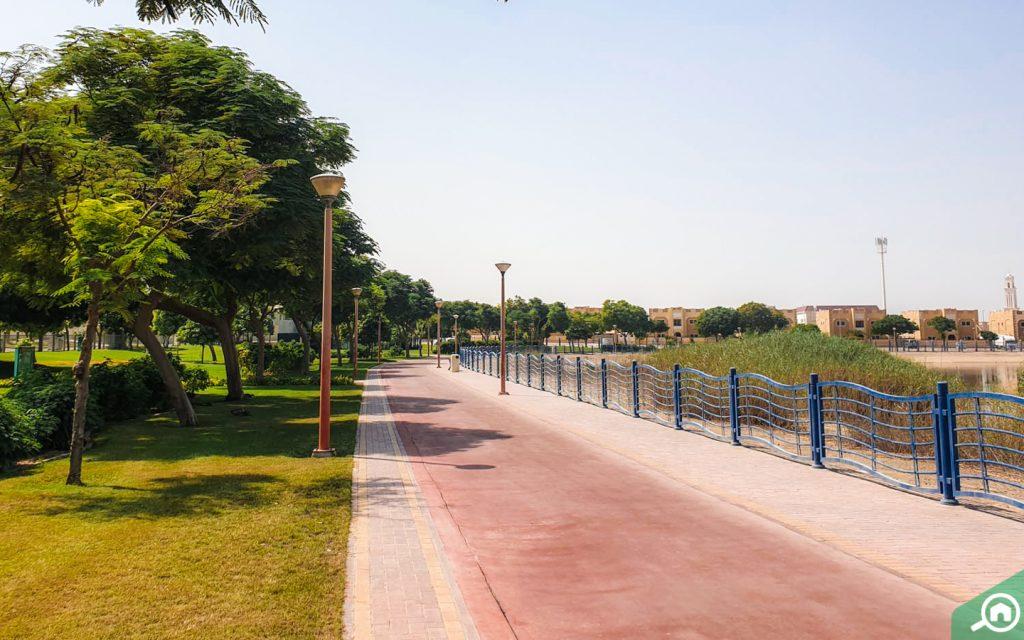 حديقة بحيرة القوز في دبي