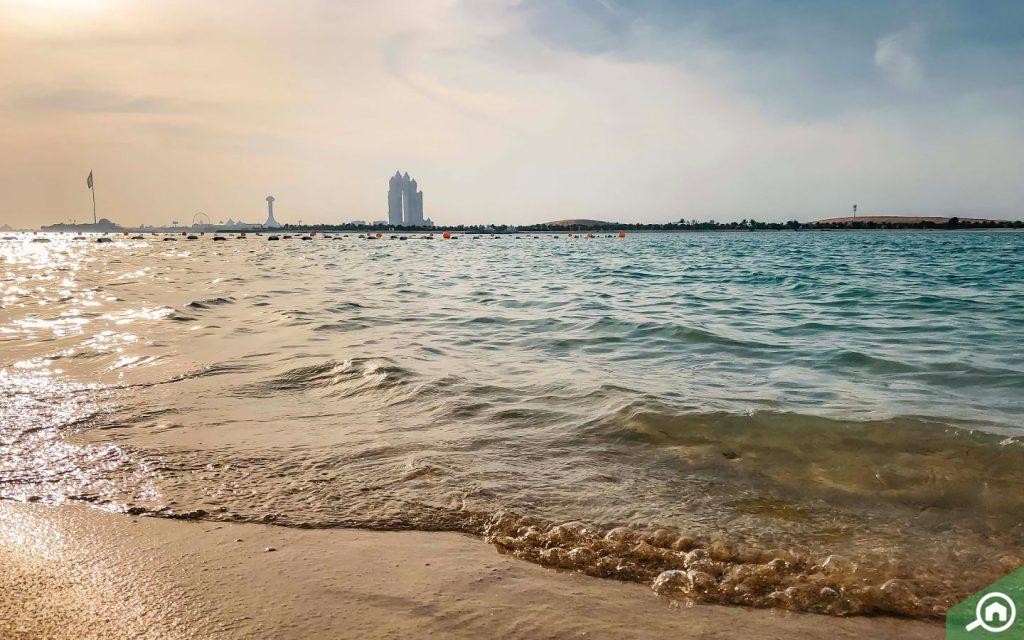 شاطئ أبوظبي