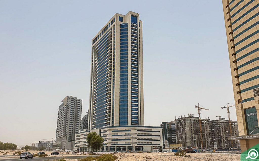 مبنى متوسط الارتفاع