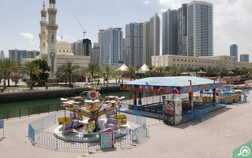 مناطق لعب مخصصة للأطفال