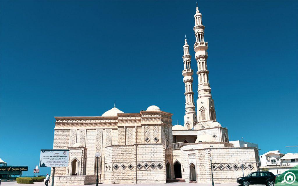 مسجد في كورنيش عجمان