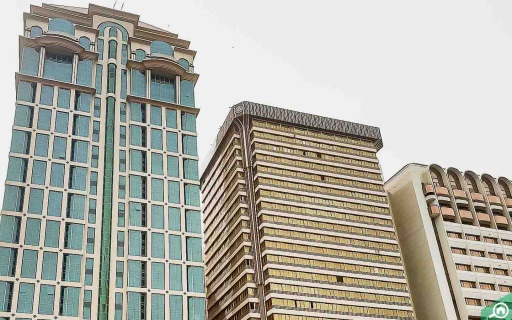 أبراج سكنية