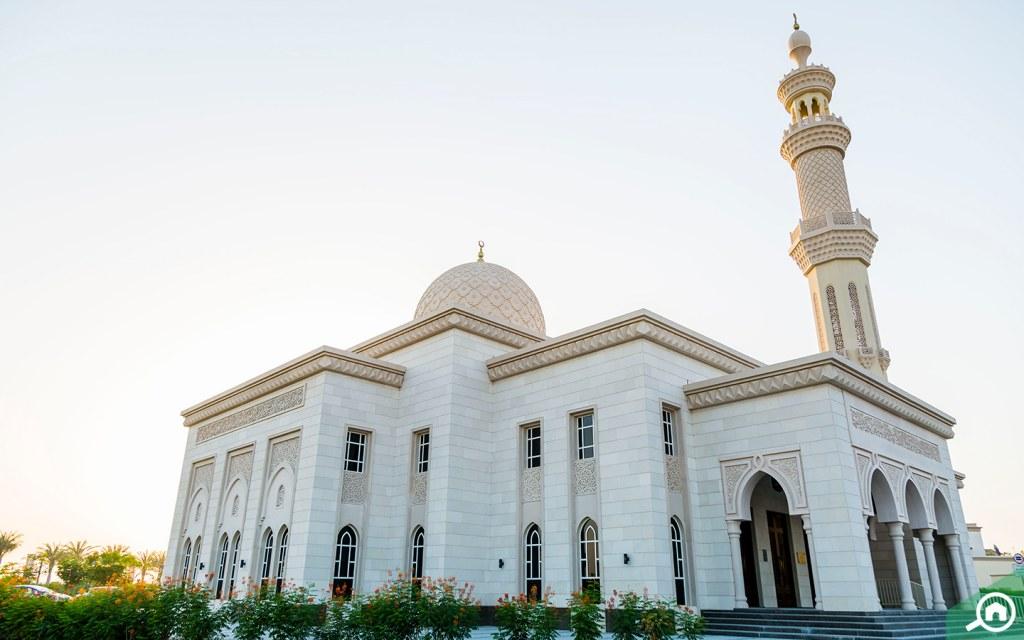 أحد المساجد القريبة