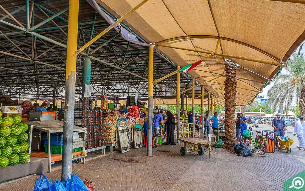 سوق العوير دبي للفواكه والخضروات