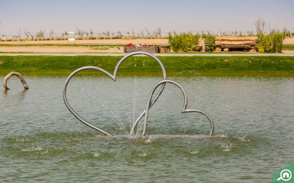 بحيرة الحب في دبي