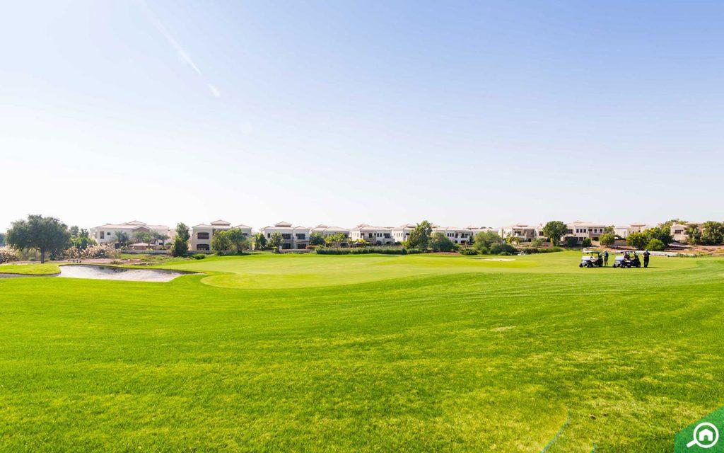 golf course in jumeirah golf estate